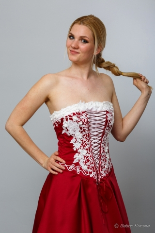 magyaros menyecske ruha