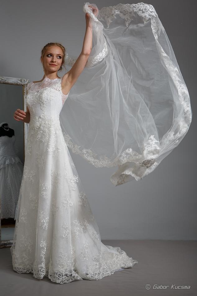 godett menyasszonyi ruha