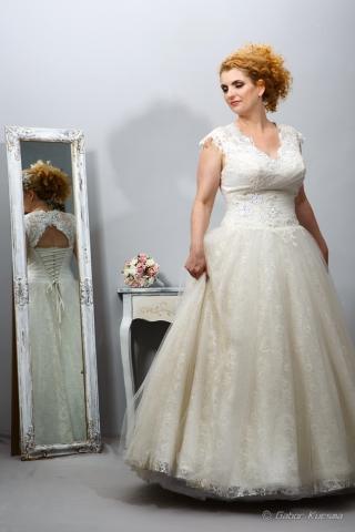 Molett menyasszonyi ruha